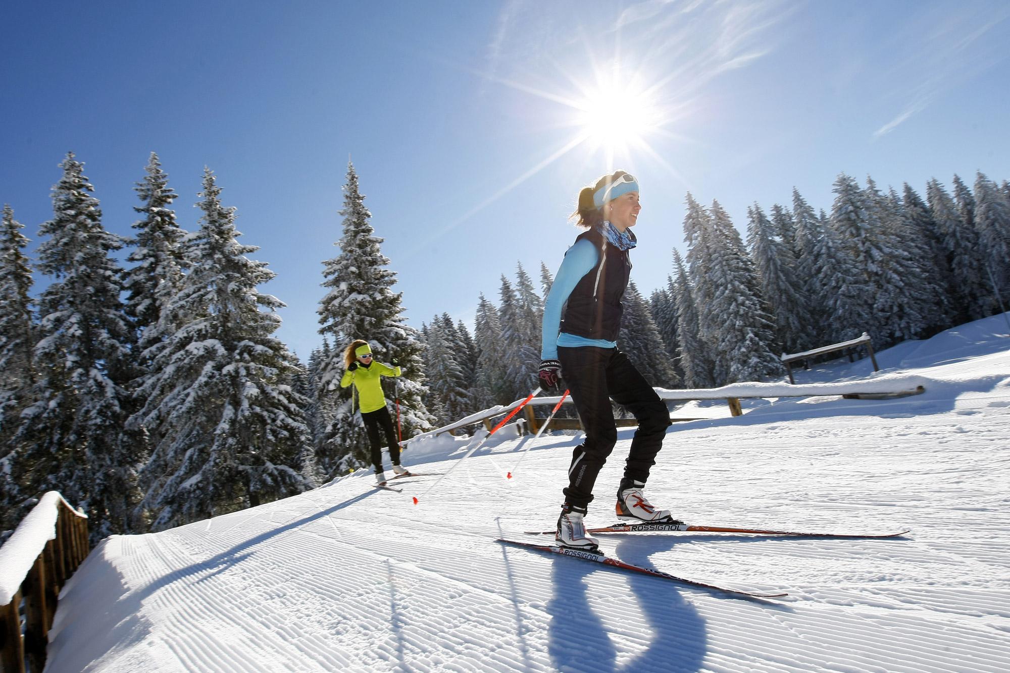 Ski nordique autour de l'hôtel restaurant Le Tillau dans le Jura