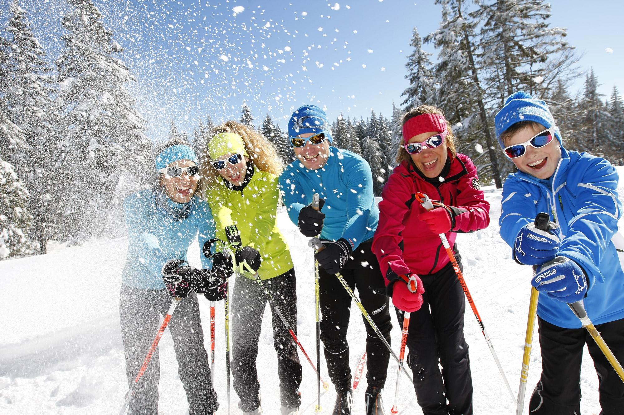 Ski en famille autour de l'hôtel restaurant Le Tillau, Pontarlier, Vallorbe, Jura